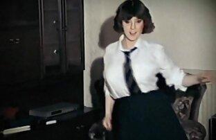 سمراء كس يستمني في أفلام جنسية اجنبية حمام بخار العام وتمتص الديك