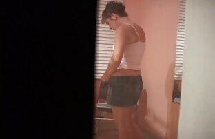 سليم شقراء في جوارب افلام اجنبية رومانسية جنسية سوداء تجلس على جذع قوي من زوجها
