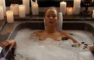 شقراء في ممزق اللاتكس اللباس الداخلي الملاعين مع مصمم افلام اجنبية جنسية مترجمة في غرفة النوم