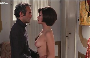 امرأة افلام جنسيه اجنبيه ممنوعه من العرض شابة مع الحمار مرنة جعلت اللسان ، ويمارس الجنس مع رجل بالقرب من النافذة