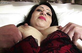 العروس وصديقة التمسيد bbw كبير الثدي العريس أفلام اجنبية جنسية في غرفة النوم على السرير