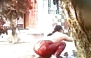 آلة الجنس جنيه كس شقراء افلام جنسية اجنبية في ثوب خلع الملابس الوردي على كاميرا ويب