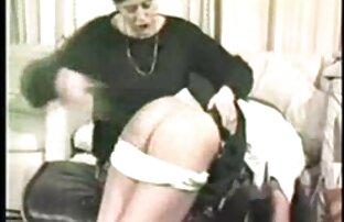 الفتاة ذات النظارات الهزات قبالة افلاماجنبيةجنسية بوش باستخدام آلة الجنس و هزاز