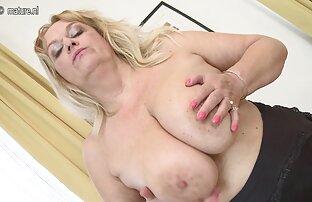 أخت سمراء مسلسلات جنسيه اجنبيه مع رجل وسيم على سرير وردي