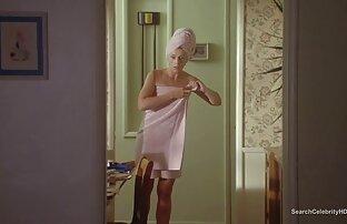ممرضة يرتدي مربع رفع الماجستير نهاية شفتيها مشاهد جنسية من افلام اجنبية و يأخذ في كس