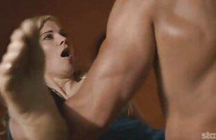 أحمر الشعر افلام اجنبي جنسية في النظارات مع كبير الثدي على كاميرا ويب