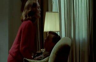 الشقراء الناضجة في جوارب اسماء افلام اجنبيه جنسيه وقد متعة مع strapon في غرفة النوم