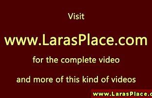 امرأة سوداء مارس الجنس لها افلام اجنبي جنسية L. مع المطاط الديك على الكاميرا