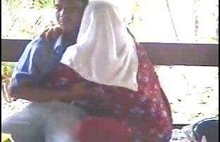 الفتيات مشاهد جنسية من افلام اجنبية في زي مص الجدة و صبي