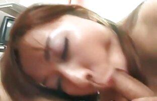 مثير امرأة سمراء الملاعين فيديوهات جنسية اجنبية نفسها في المؤخرة مع دسار في غرفة النوم