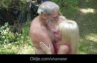 Schmara افلاماجنبيةجنسية الحصول على بعض الصدمة من فمها مفتوحة