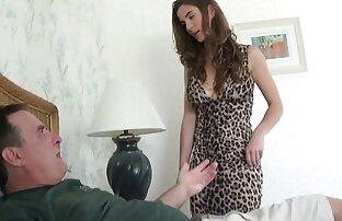 هاكر الساعات الإباحية و مارس الجنس فيديوهات جنسية اجنبية صديقته في فستان أحمر على الكرسي