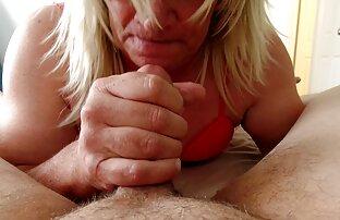 العصير فتاة شقراء اللعب مع مكبس الجنس افلام اجنبية جنسية مترجمة آلة أمام المرآة
