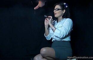 فتاة تعمل مع فمها على الجذع من غرفتك مقاطع اجنبية جنسية و استبدال له كس الديك